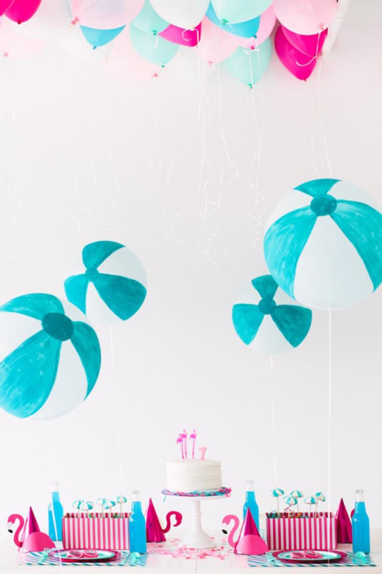 Ready-Set-Splash-Balloon-Pool-Party-DIY-Beach-Ball-Balloons-600x900