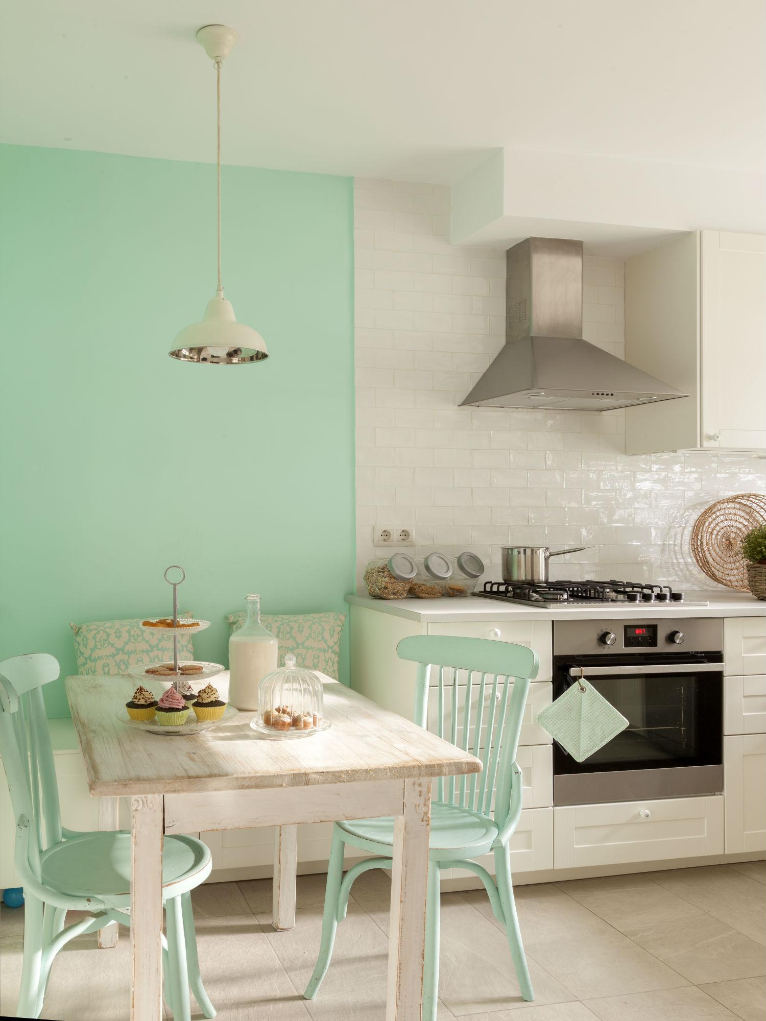 Cocina sin azulejos ahora tambi n mam - Pintar sobre azulejos cocina ...